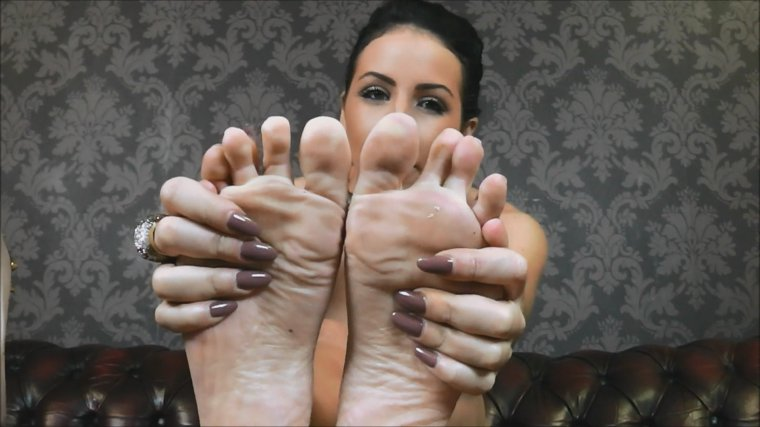 Glam Worship - Lady Nina Leigh - Pray To My Feet
