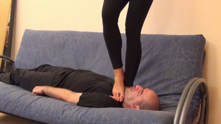 Footdominas - ALICE - 'ENGLISH EXAM' - BRUTAL BAREFOOT TRAMPLING, JUMPING AND FACESTANDING PART2