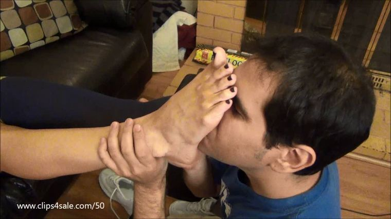 EXTREME FEET - Cheer Squad Leader Trades Candy For Foot Worship!