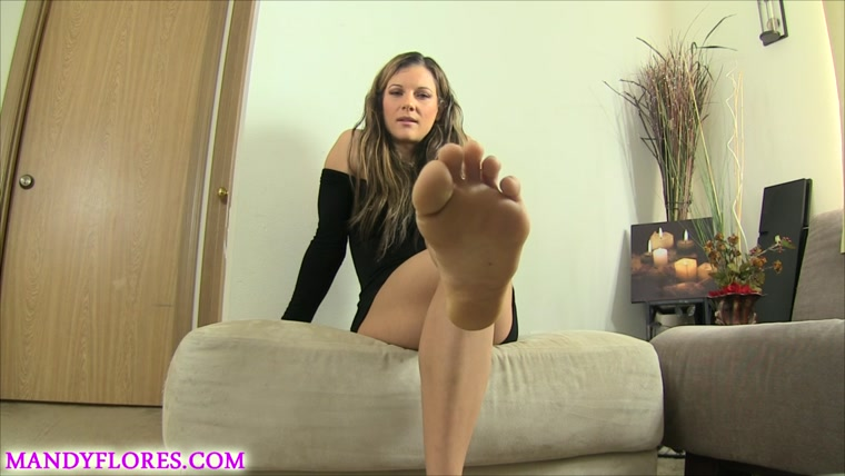 Mandy Flores - Foot slave initiation ball torture