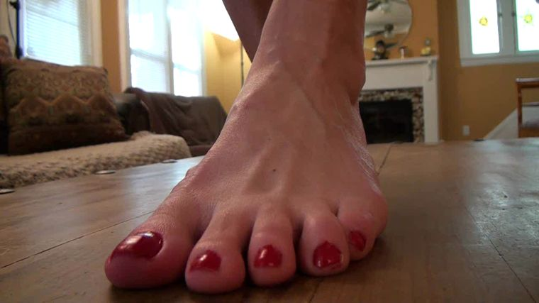 Sweet Southern Feet - Alana Talks About Her Big Feet