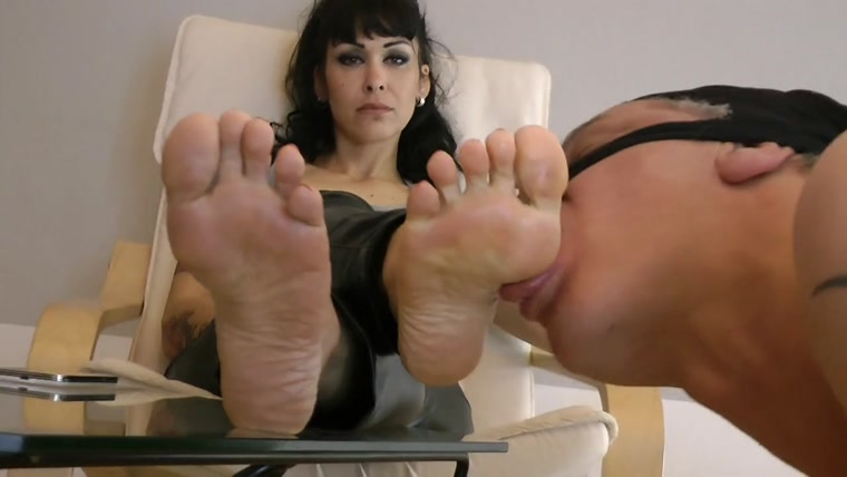 lick-my-feet-net