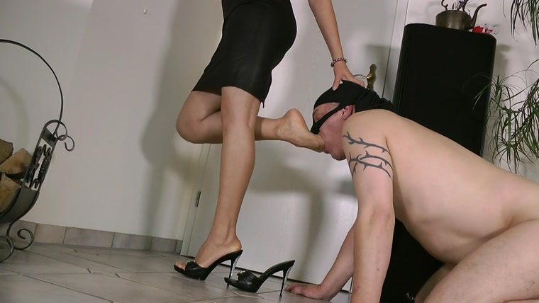 Goddess Leyla - My Devoted Slave
