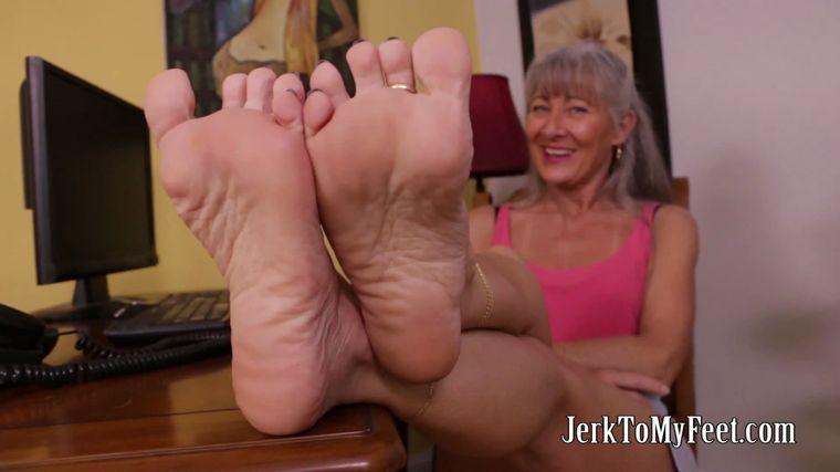 Lesbian Mom Feet Worship