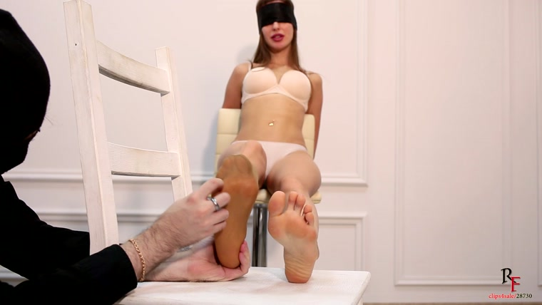 Russian Fetish - F.B.I. Agent Kristy - take off boots and ONE nylon knee socks for tickle torture