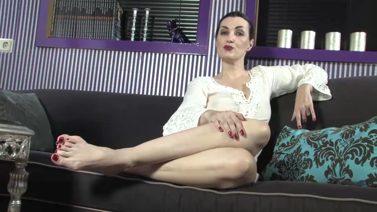 Lady Victoria Valente - Second Foot Fetish
