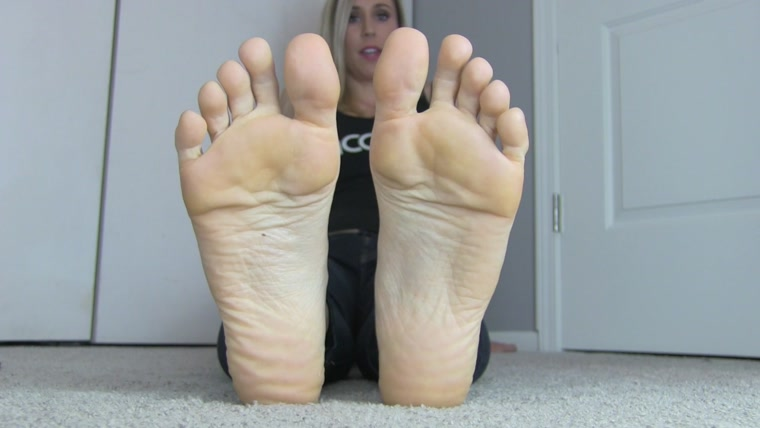 Princess Lyne - Lucky Little Foot Bitch