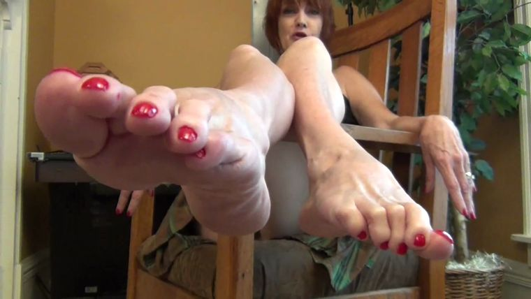 Sweet Southern Feet - POV You Better Lick These Feet