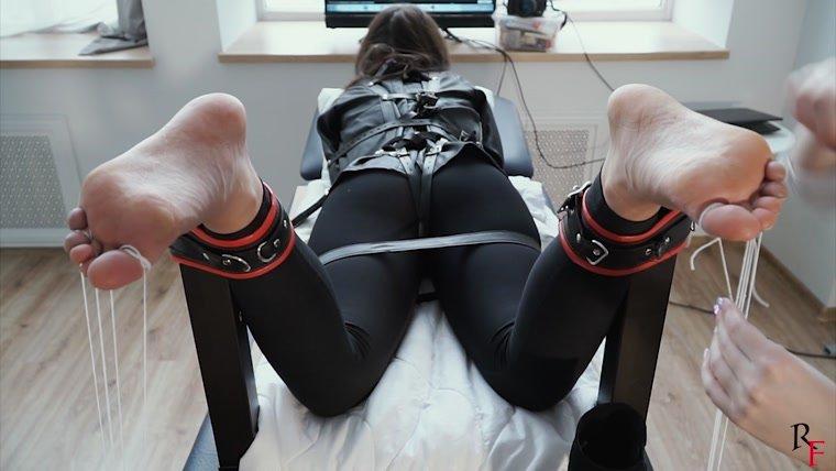 Mature Nylon Feet Tickle