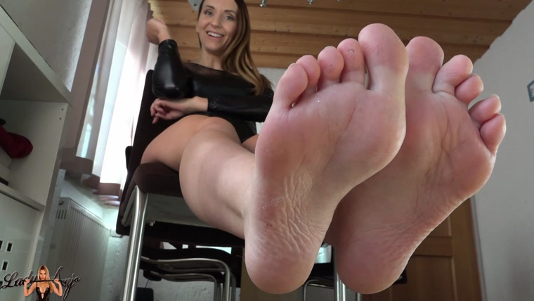 Lady Anja - Lick my dirty feet