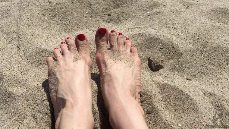 The Wolfe Sole Experience - Sparkling Red Toes in the Sand