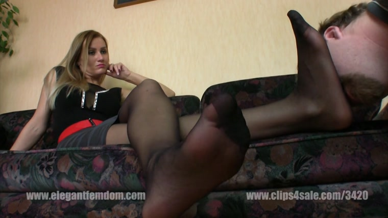 Lady Demona - Nylon Smelling