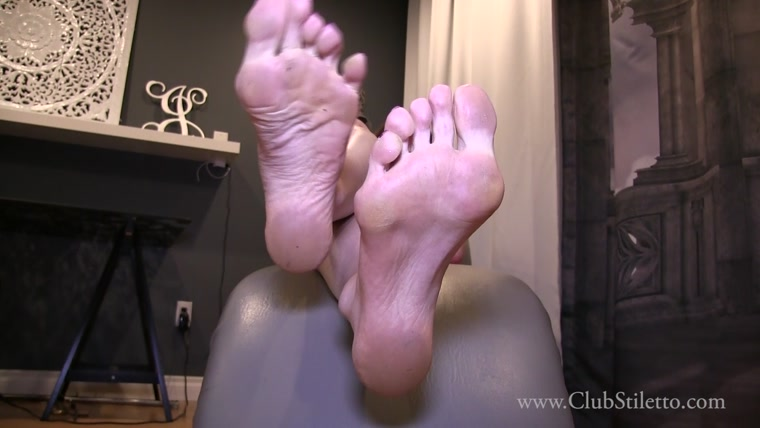 Ms Bijou - You Look Older Than Your Profile Pic - Worship My Feet