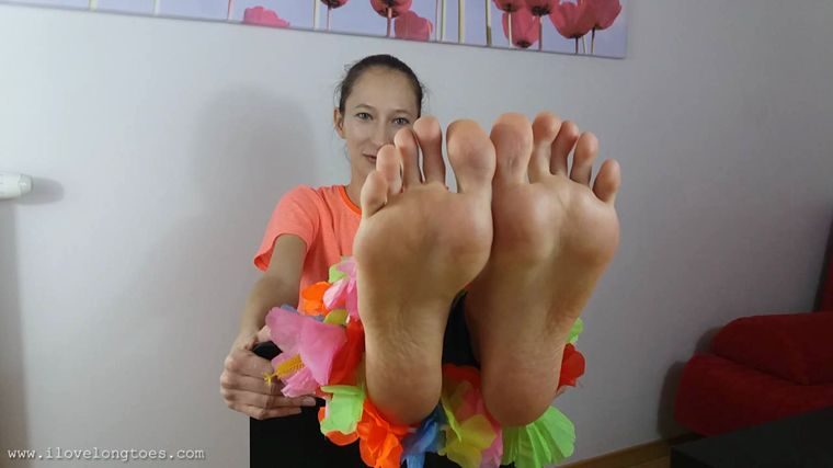 I Love Long Toes - Feet and flowers