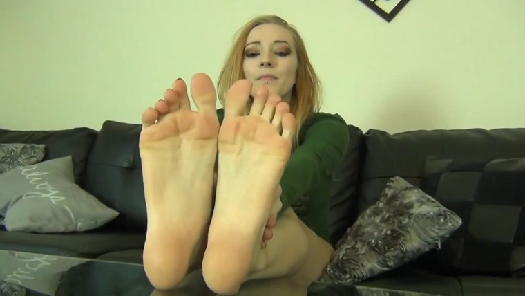ORIA'S TOE CURLING,CLAMPING, & CRACKING