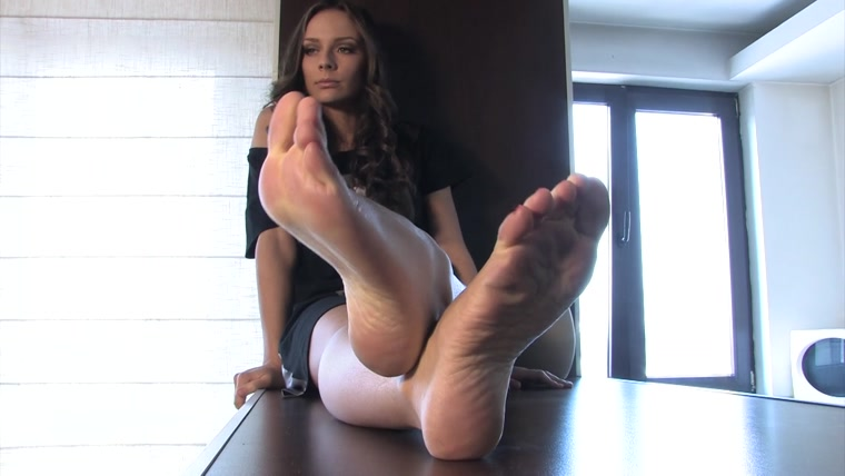 Noemis World - Beautiful Alexia showing her smooth soles