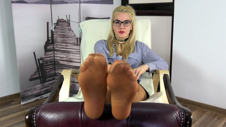 Dominant Femine - POV - Olga - Wylizywaj Kaugotki - Russian Teacher Want You To Lick Her Pantyhose