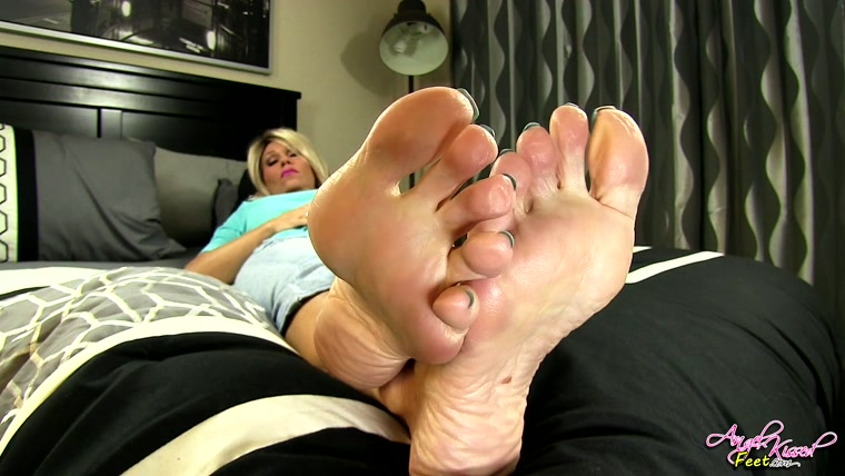 Erotic Nikki - you Need My Feet