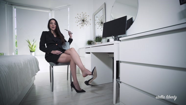Stella Liberty - Office Bitch Dangling