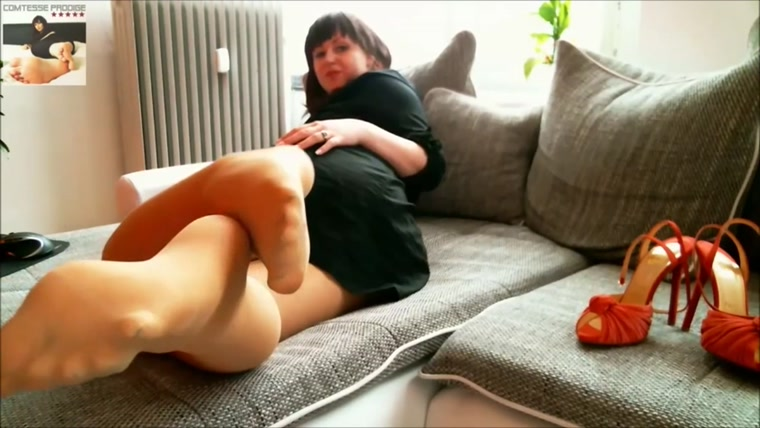 Glam Worship - Lady Comtesse Prodige - Nylon Panthose Jerk Off Dream!