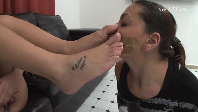 Newmfx - Smell and suck my real sweaty feet