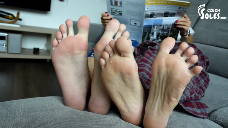 Czech Soles - Huge And Tiny Feet Comparesment Show