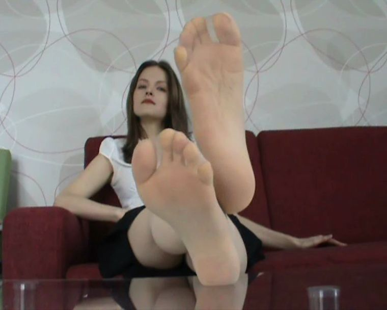 Beautiful lady Suzanne - My shoe and foot licker