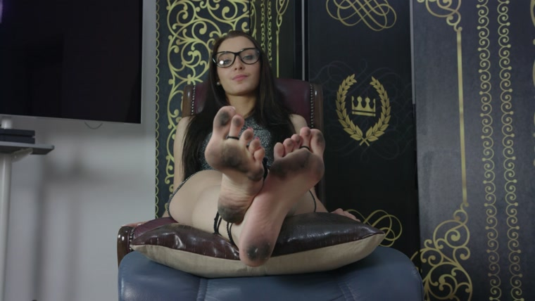 Dominant Femine - Helena - Boss Punishment