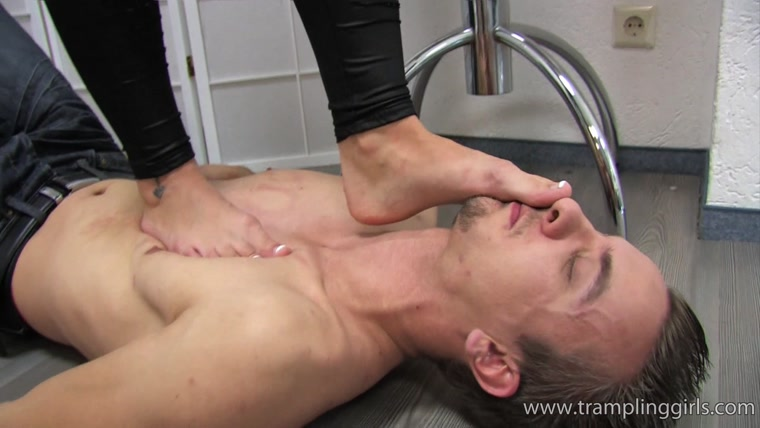 Trampling Girls - Denise loves to see men suffer