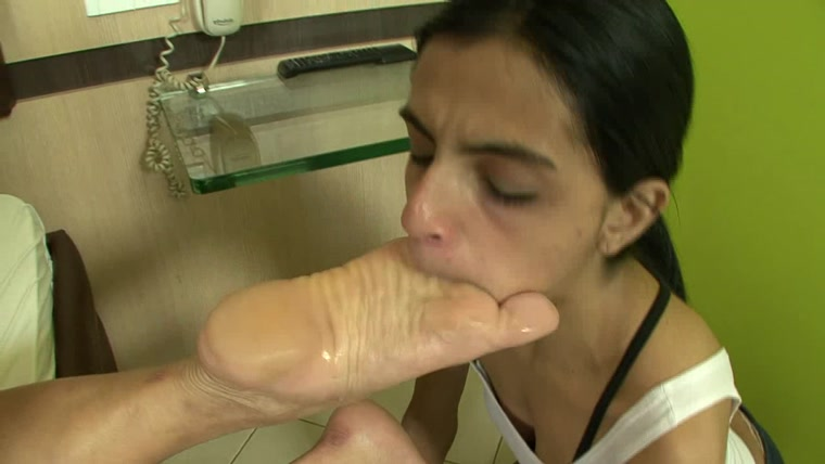 BRAZIL FEET - Mistress Janayna - Janayna's First Foot Domination part 2