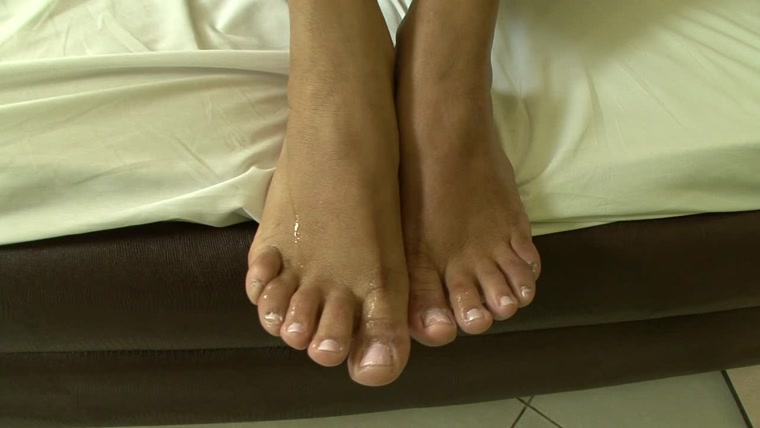 BRAZIL FEET - Mistress Janayna - Janayna's First Foot Domination part 5