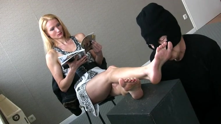 FEMDOM-POV-CLIPS - Empress Victoria - The ignored footlicker