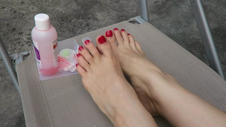 Mylene - Foot Fetish Painting My Toenails Red