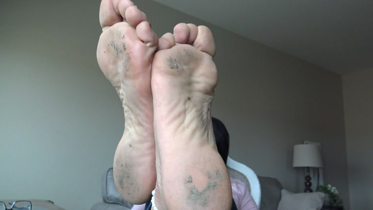 Goddess Zephy - Follow My foot licking commands, loser!! POV