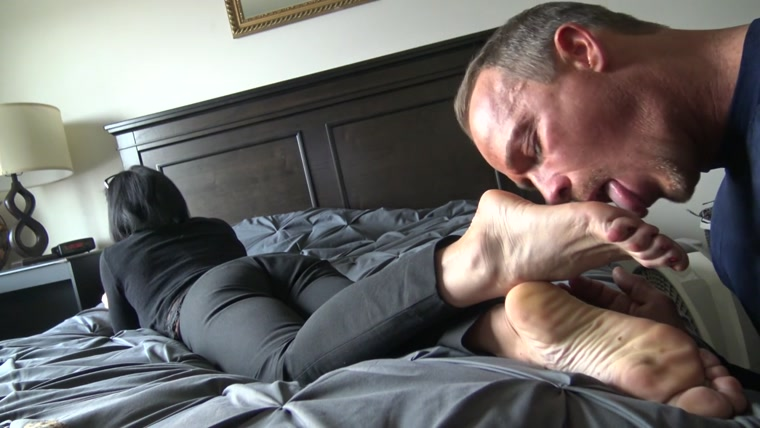 Goddess Zephy - Lunch Break Quicky 2 Lick My Shoes and Feet