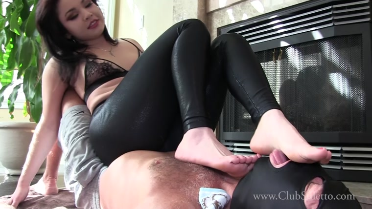Mistress Raevyn Rose - Furniture And Foot Licker
