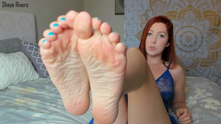 Goddess Shaye - poppurs foot slut