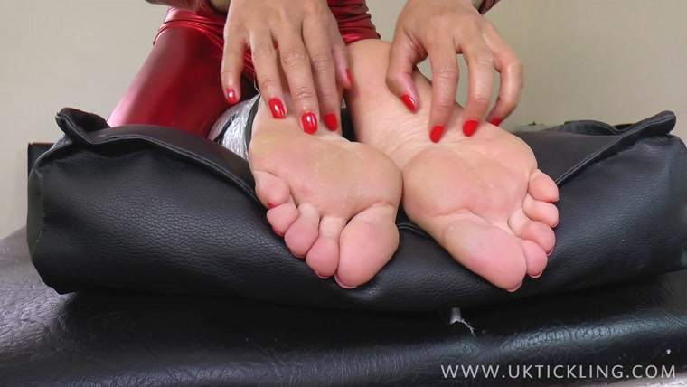 UK Tickling – Bella and Ayla Sky
