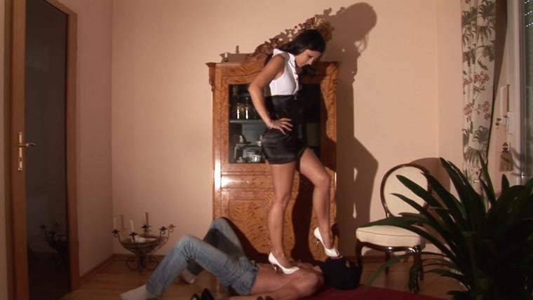 Crush Passion - Stiletto Punishment