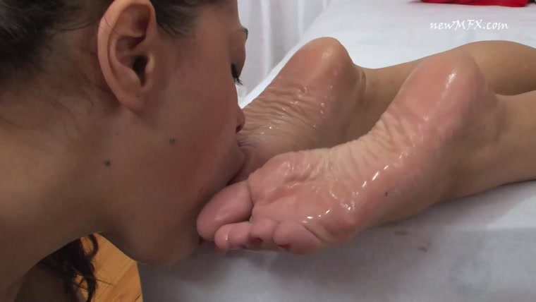 Newmfx - Serving Carol's Feet