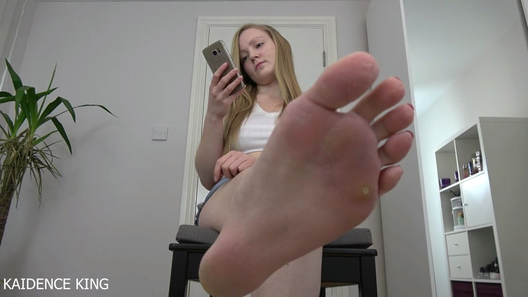 Kaidence King - Foot Fetish Ignore Humiliation