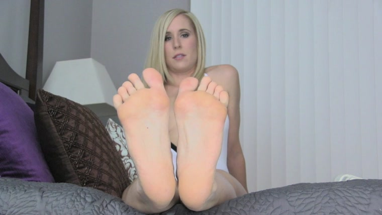 Princess Lyne - Dehumanized Foot bitch