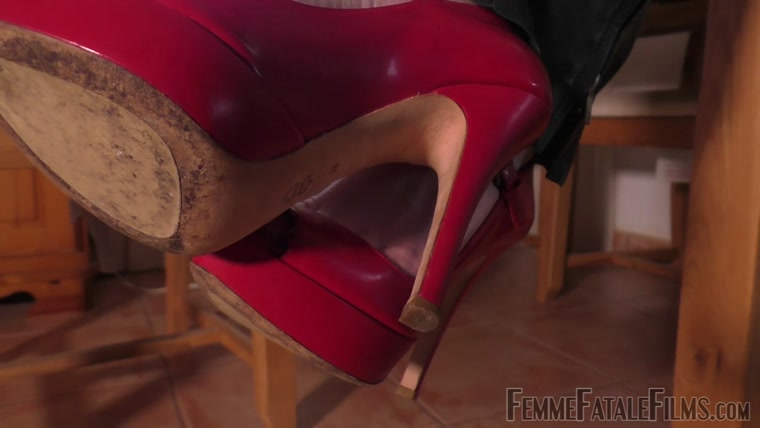 Miss Zoe - Foot Slut (Complete Film)