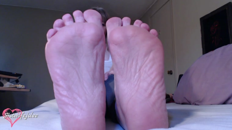 Hot Wife Jolee - Lick My Feet Suck My Toes