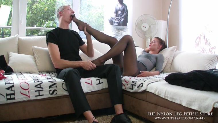 The Nylon Leg Fetish Store - Loreen tease businessman