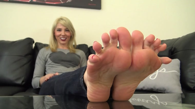 The Foot Fantasy - JANIRA WOLFE'S SWEATY and SMELLY FEET