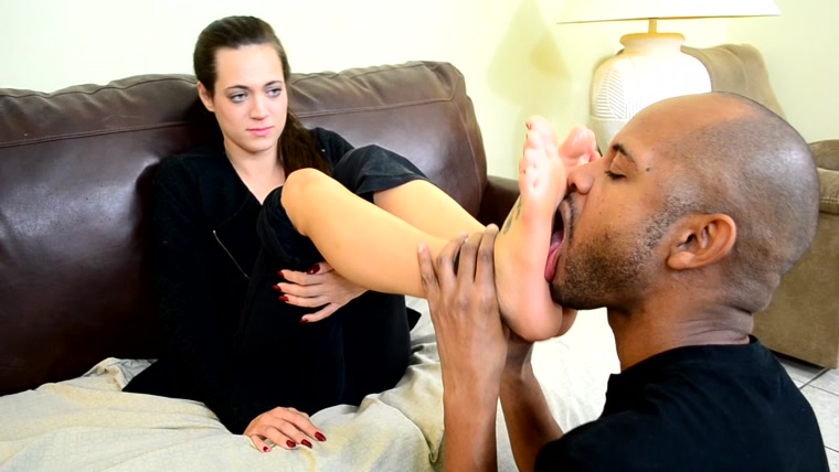 Dacey Harlot - More Foot Love