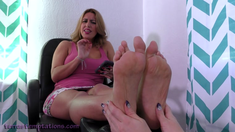 Terras Temptations - Megan Jones - Ticklish foot massage