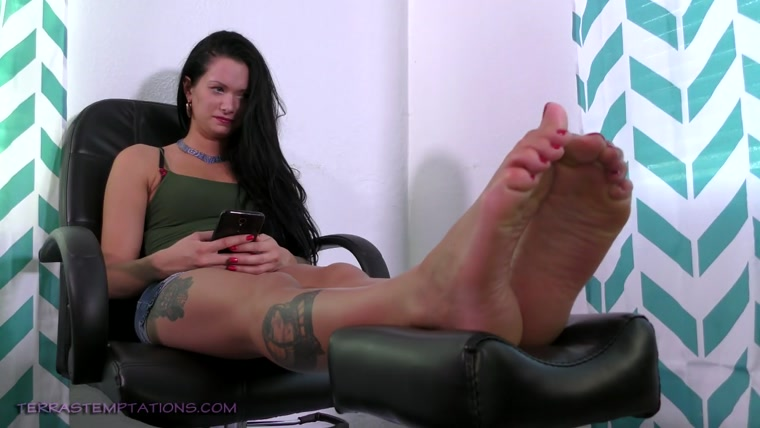 Terras Temptations - Maria Marley - Ticklish foot massage