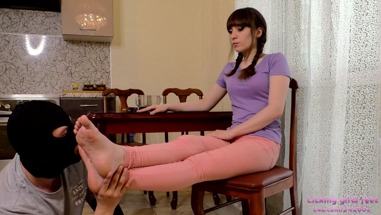 ALEXANDRA - Neat and beautiful feet